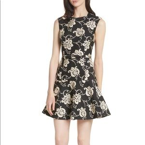 🌟HP🌟NWT Ted Baker Ornate Paisley Dress Size 4